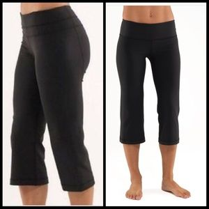 Lululemon Groove Crop pants black size 4 cropped